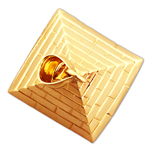 14k gold 3d egyptian pyramid pendant