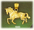 14k gold sculpted horse charm